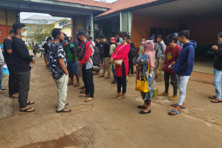 Tim gabungan amankan 41 TKI ilegal di Badau batas RI-Malaysia