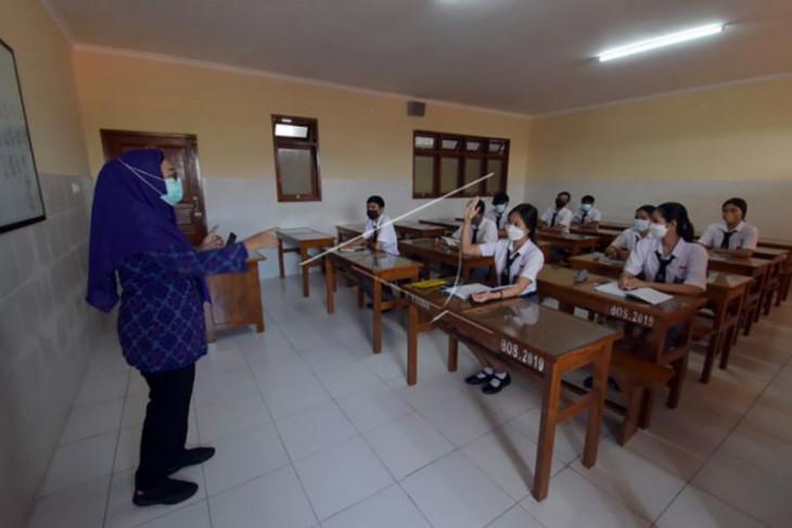 Sekolah dengan tatap muka mulai digelar di Denpasar