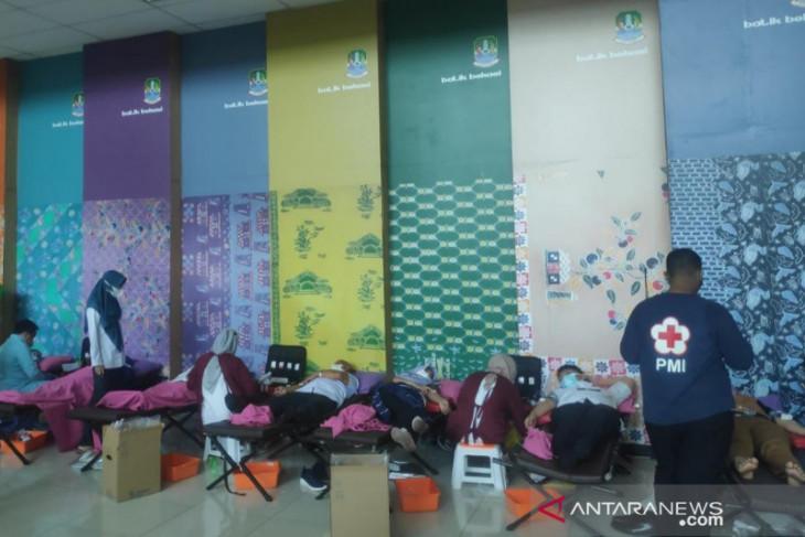 99 ASN Pemkot Bekasi ikut donor darah PMI