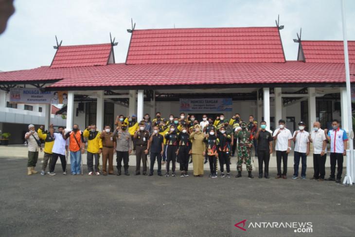 Bupati lepas 20 atlet Batola perkuat Kalsel di PON XX Papua