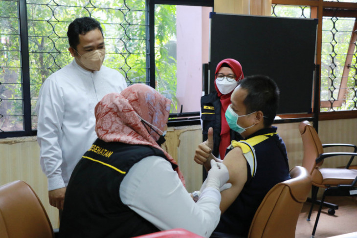 Dinkes Kota Tangerang jelaskan 1.084.203 orang sudah disuntik dosis pertama