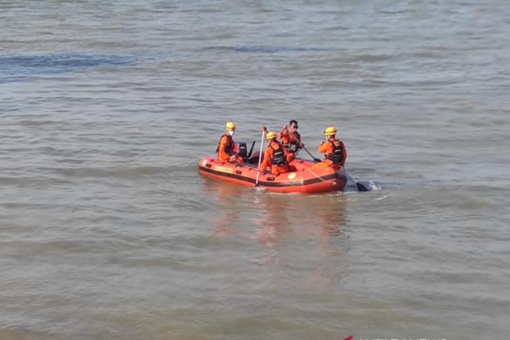 SAR: Kapal sekoci Jembatan Musi I terbalik di perairan Mentok