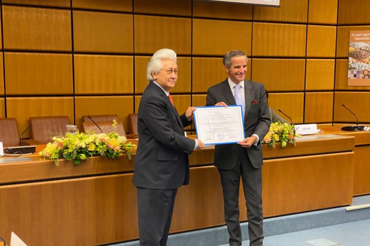 Indonesia receives award from FAO and IAEA