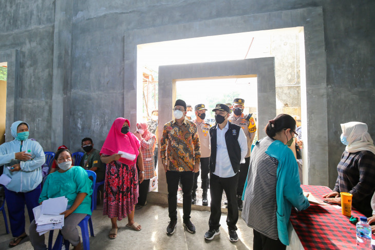 Percepatan vaksinasi aglomerasi untuk Surabaya Raya masuk PPKM Level 1