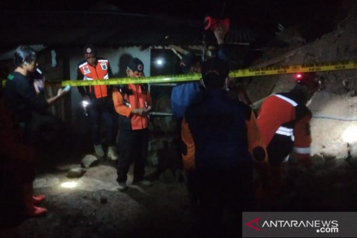 Bencana longsor landa dua kacamatan di Cianjur
