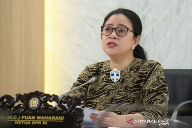 Maharani reflects on Soekarno's deeds while visiting Krakatau Steel