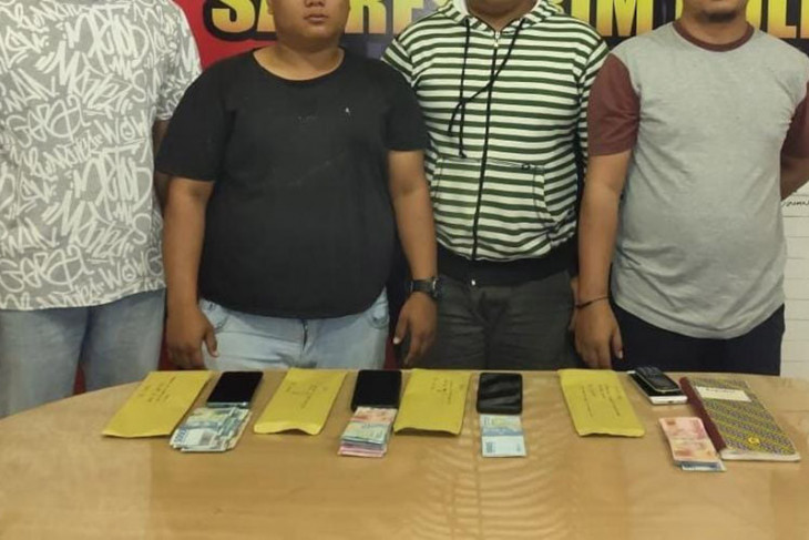 Polisi tangkap lima agen judi online