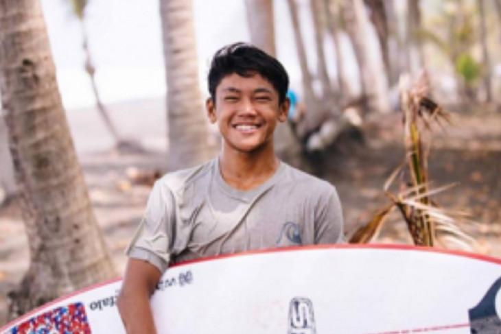 PON Papua - Bali borong emas ekshibisi selancar ombak lewat Ryuki Waida