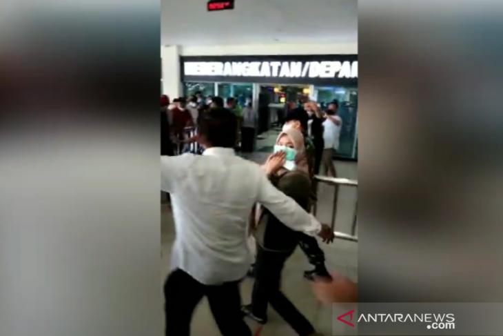 Bupati Kolaka Timur Andi Merya Nur diterbangkan ke Jakarta usai diperiksa KPK