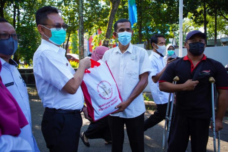 Pemkot Pontianak salurkan 300 bantuan Presiden kepada penyandang disabilitas