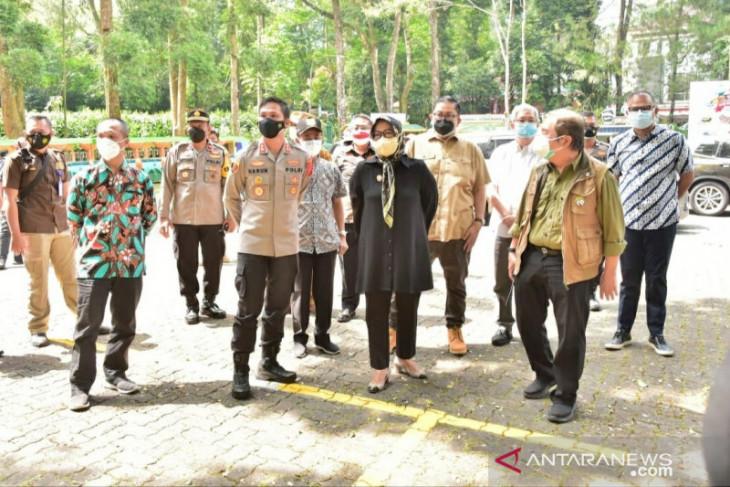 Kabupaten Bogor baru bolehkan tiga tempat wisata beroperasi kembali