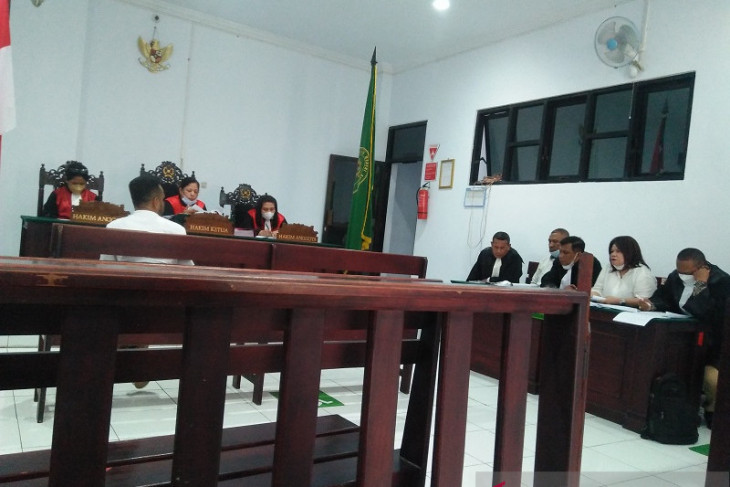 Dua terdakwa penipuan miliaran rupiah jalani persidangan tegakkan hukum