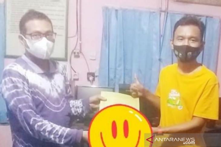 Selimi pendaftar pertama calon Ketua KNPI HST dengan syarat lengkap
