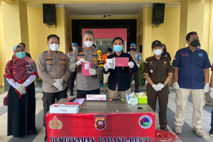 Polres Singkawang musnahkan 148,78 gram sabu