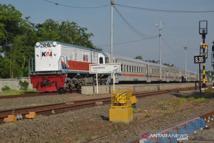 DAOP 1 Jakarta kembali operasikan tiga kereta api lokal