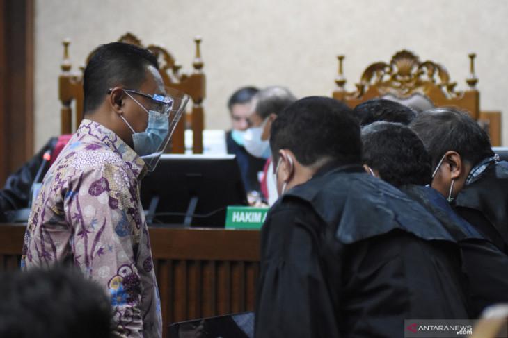 Kasus rekayasa pajak, dua mantan pejabat Dirjen Pajak didakwa terima suap Rp57 miliar