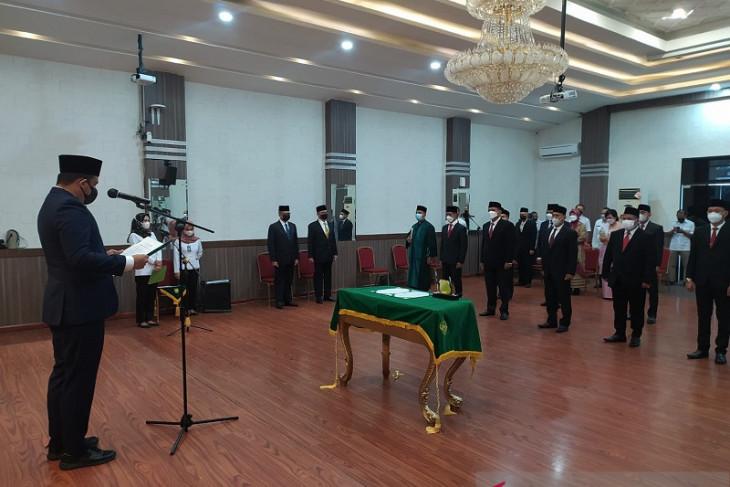Bobby lantik 12 direksi BUMD Kota Medan