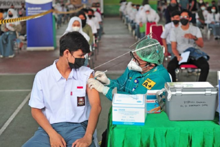 Vaksinasi Covid-19 bagi pelajar di Jambi