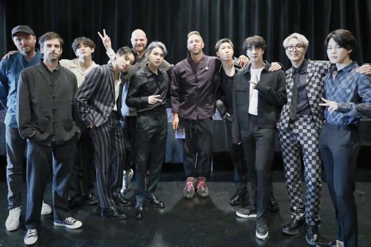 Perjumpaan BTS dan Coldplay jelang rilis