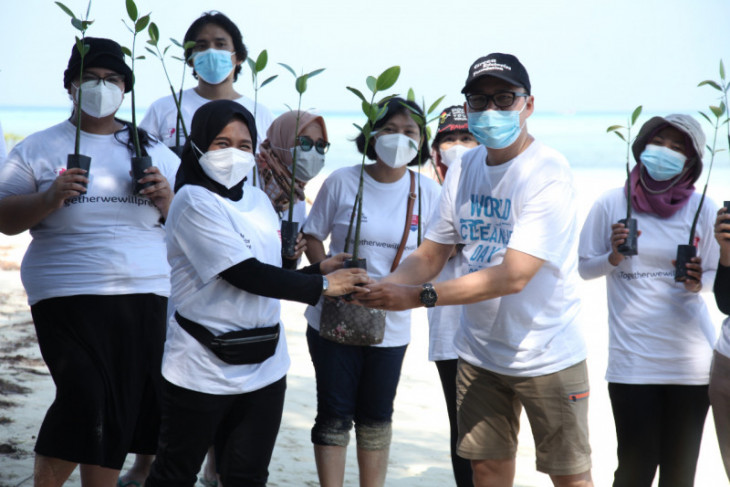 Teleperformance Indonesia tanam 2.000 bibit mangrove di Kepulauan Seribu