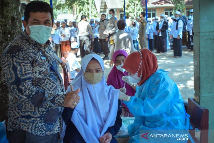 Pemkot Padangsidimpuan gelar vaksinasi di Pondok Pesantren