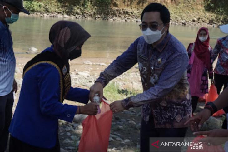 Pepelingasih HST inisiasi gerakan Desa Barasih bersama Mahasiswa KKN UIN Antasari