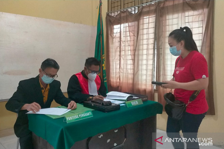 PN Singkawang gelar sidang gratis di Aula Kantor Kelurahan Roban