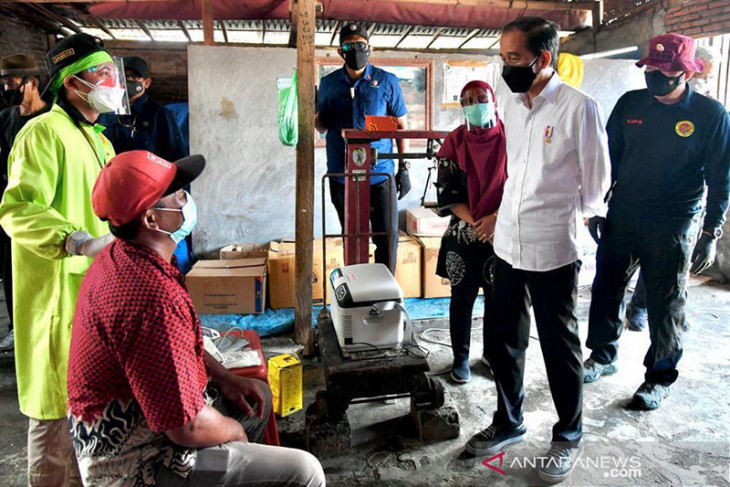 Presiden Jokowi harap vaksinasi pintu ke pintu picu antusiasme publik