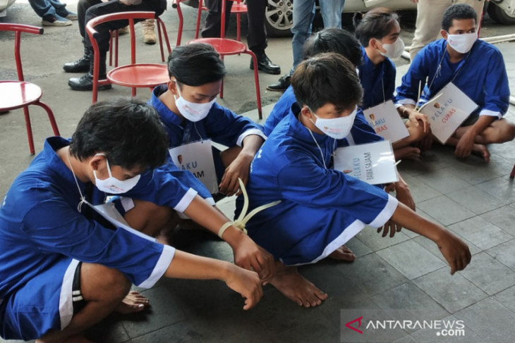 Polresta Bogor Kota tangkap 15 tersangka kasus tawuran dan curas dari delapan lokasi