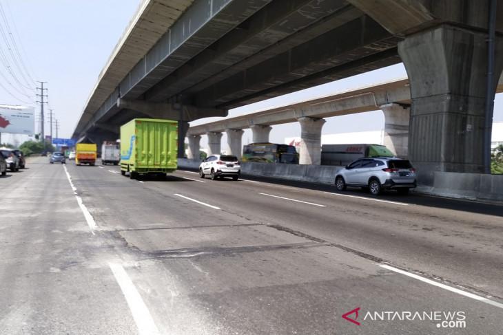 Perbaikan ruas Tol Jakarta-Cikampek, pengguna jalan diminta hati-hati