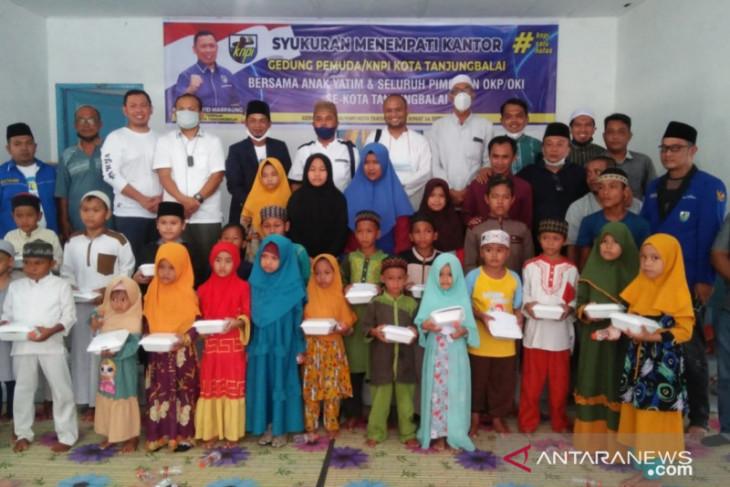 Asmui bersama pimpinan OKP di Tanjungbalai santuni anak yatim-piatu