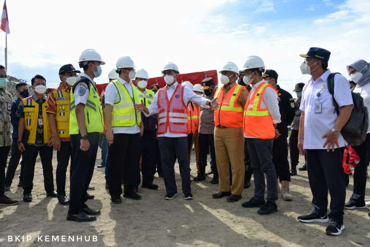 Airport construction in Papua, West Papua moving forward: minister