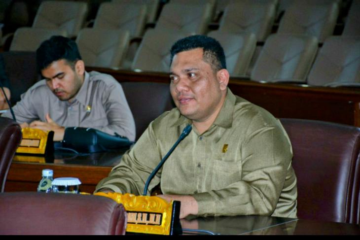 Kemas Alfarabi minta Pemprov Jambi alokasikan anggaran untuk perbaikan toilet Masjid Al Fallah