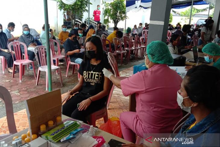 BPS Maluku gelar vaksinasi massal peringati Hari Statistik 2021