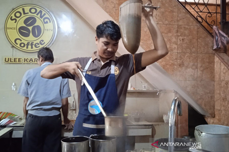 Melirik berbagai model bisnis warung kopi di Banda Aceh
