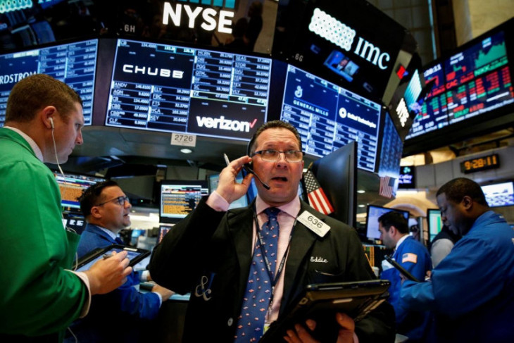 Wall Street ditutup beragam  di tengah risalah Fed dan data ekonomi