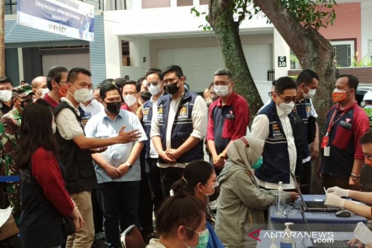 Menteri BUMN Erick Thohir tinjau  vaksinasi COVID-19 di Medan