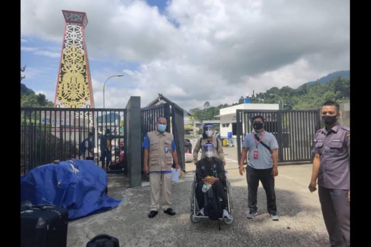 KJRI Kuching kembali bantu pemulangan dua PMI asal Jabar karena sakit