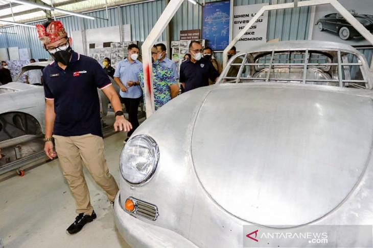 Menparekraf apresiasi inovasi bengkel restorasi mobil klasik di Bali