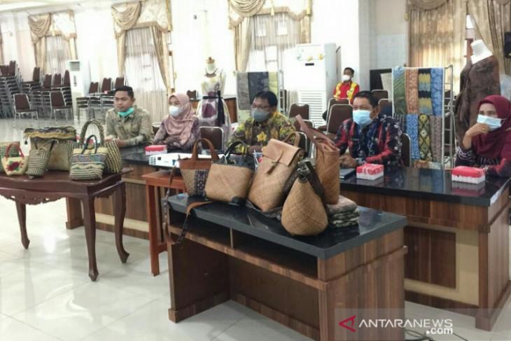 Sasirangan berbahan alami HSU diminati 'market' Jakarta