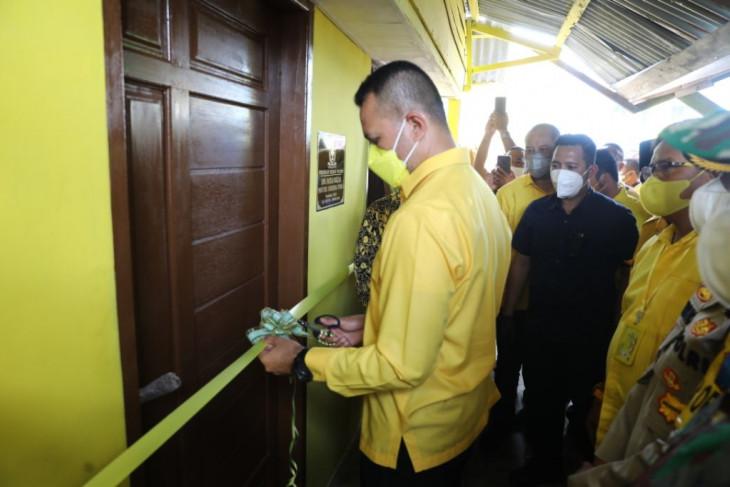 7 rumah warga di Sibolga dan Tapteng dibedah, Musa Rajekshah: Golkar hadir dalam kesusahan masyarakat