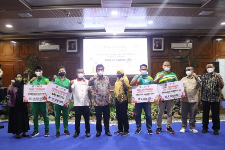 Wali Kota Binjai beri tali asih atlet dan wasit PON Papua
