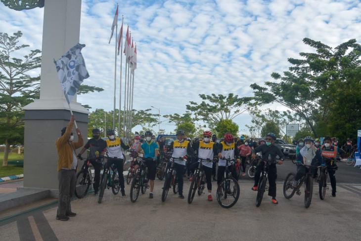 Paman Birin lepas peserta Fun Bike menuju Kiram Park