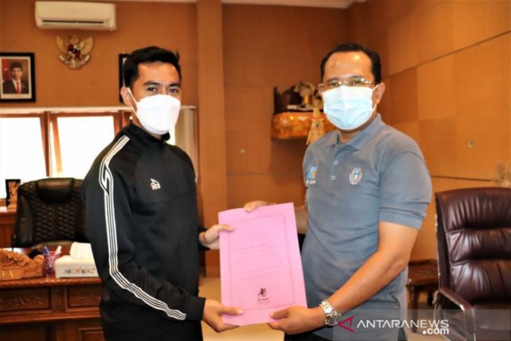 PON Papua - Dua wasit sepakbola dari Buleleng bertugas ke PON Papua