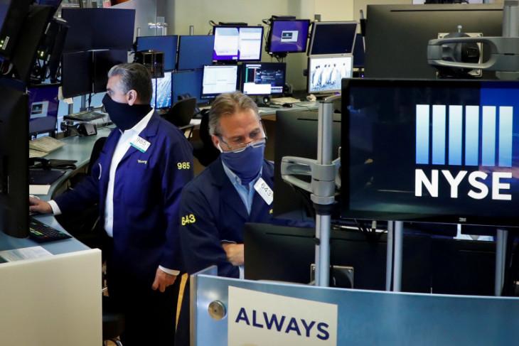 Wall Street dibuka lebih rendah pada Jumat, terseret pelemahan saham teknologi