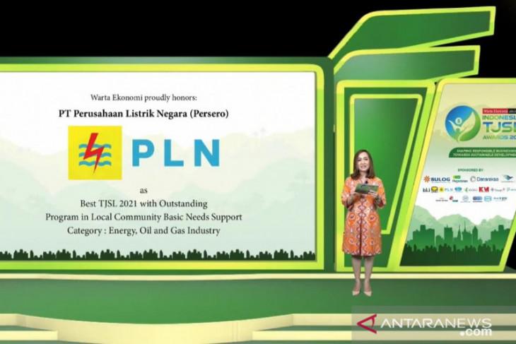 PLN Raih Penghargaan Best TJSL 2021 with Outstanding