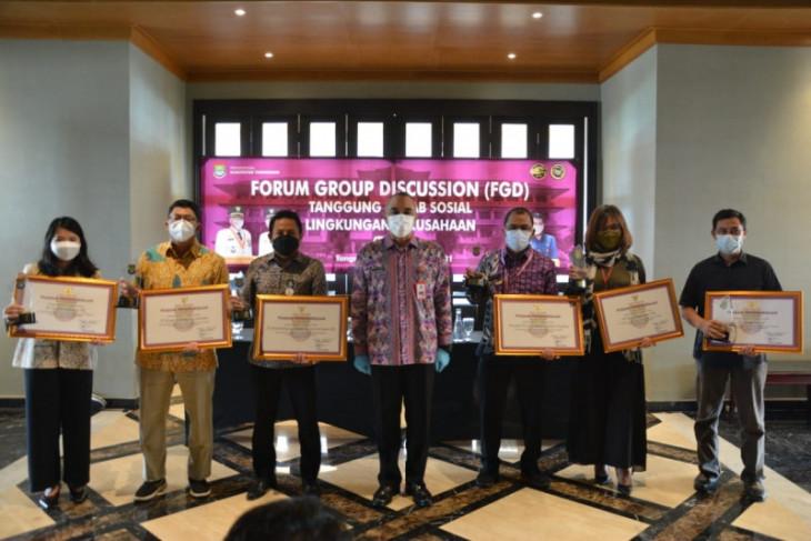 Pemkab Tangerang beri penghargaan perusahaan salurkan CSR