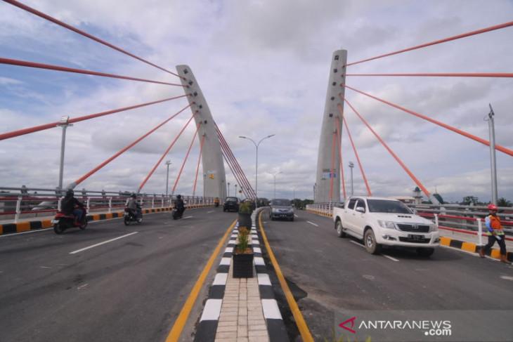Jembatan Sei Alalak di Kalsel  dibuka untuk uji coba
