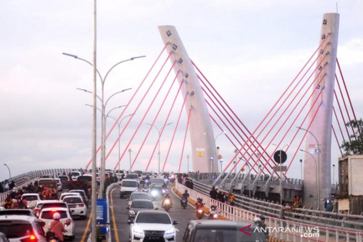 Jembatan Sei Alalak jadi kebanggaan baru bagi warga Kalsel