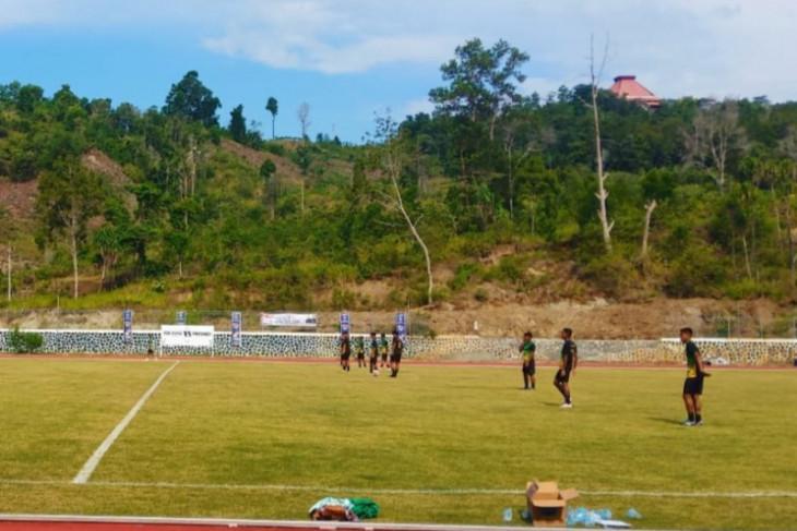 PON Papua: Tim Sepak bola Sumut uji coba Lapangan Stadion Mahacandra Jayapura